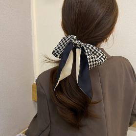 ONE PIECE OF VINTAGE SILK HAIR BAND HB264