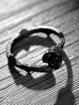 [THE THORNS] Thorns and Black Rose Ring A006